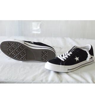 6f233719ad1 CONVERSE ONE STAR PREMIUM UNISEX TRAINERS CONVERSE SIZE 8 MALE 10 FEMALE  Nike - Size: