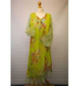 c055c7d2e7 Women's Second-Hand Evening Dresses & Evening Wear - Oxfam GB