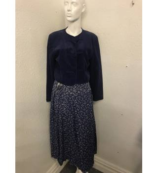 0f01cb66cff242 Vintage Laura Ashley Jacket & Skirt Laura Ashley - Size: 10 - Blue