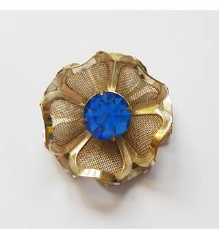 94d8f81739f Pretty vintage flower brooch Unbranded - Size: Medium - Metallics