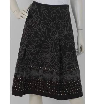 1e909570f8 Pablo Gerard Darel Size: 10 Brown & Grey Embroidered Floral Skirt