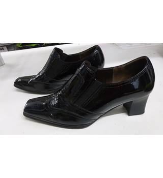 ab0518ee39 Women's Second Hand & Vintage Shoes, Boots & Sandals - Oxfam GB