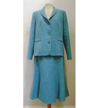 cfbfd9a84f Women's Vintage & Second-Hand Suits & Workwear - Oxfam GB