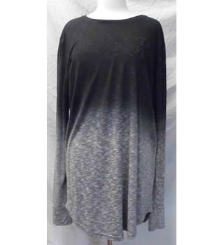 e5387cdc Men's Vintage & Second-Hand T-Shirts & Tops - Oxfam GB