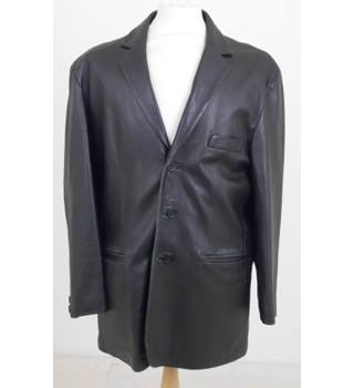 "b4d92f589 Camanchi Leathers size: chest: 42"" black leather coat"