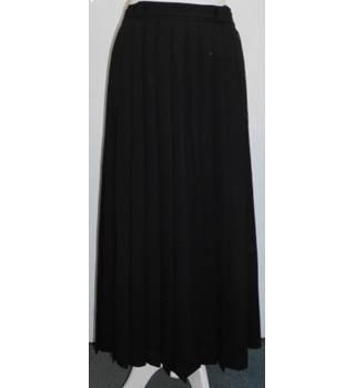 cd065aaa3 Vintage Laura Ashley Black Wool Crepe Lined Pleated Midi Skirt Laura Ashley  - Size: S