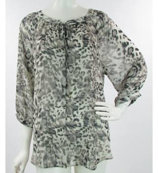 70abd470 BNWT - Wallis - Size: L - Brown Leopard Print - Oversized Lightweight Blouse