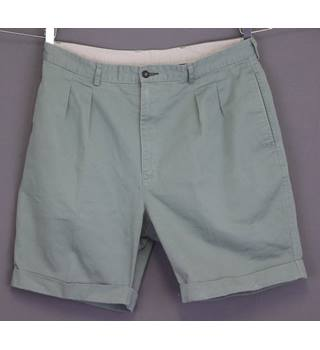 506b33d17f BNWOT GEORGE - Size: Small - Green - Cargo shorts