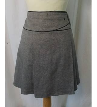 8334f83ce2 Warehouse women's skirt Warehouse - Size: 12 - Grey - Mini skirt