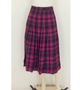 6131227ce7 Vintage 70's Viyella Size:10 Pink Pleated Skirt