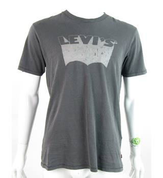 ea85a80e0 BNWT - Levi's - Size: M - Grey - Logo Short sleeved T-shirt