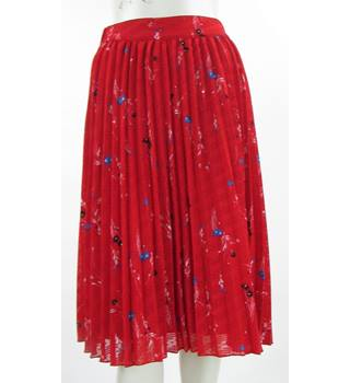 8d0014b012 BNWOT - M&S Classic Collection - Size: 10 - Red - Floral Print