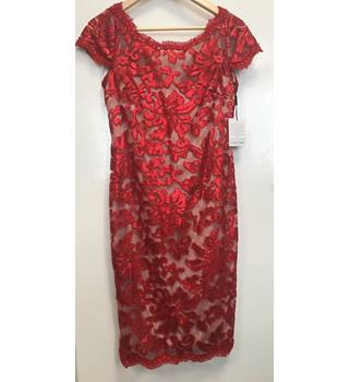 788bc2ac0d3744 Calvin Klein Size 8 Red Floral Sequin Laced Cap Sleeve Dress