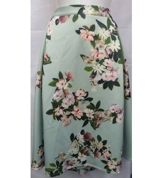 bbf92e006 NWT Floral Skirt M&S Marks & Spencer - Size: 24 - Green