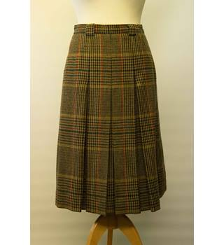 da9ad26a7 Aquascutum Woollen Check Skirt - Size Small/Medium - Multi-coloured -  Vintage