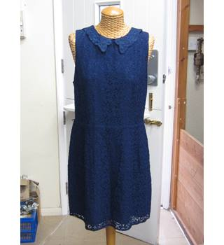 ac220752fe37e Oasis Floral Pattern Lace Collar Dress Size 16/42