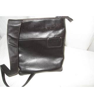 18b7a1a3d Women's Second-Hand Handbags, Backpacks & Purses - Oxfam GB