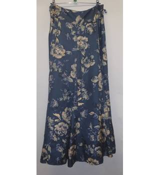 0088e1b70b3f Monsoon skirt, size 8, Blue with floral pattern Monsoon - Size: 8 -