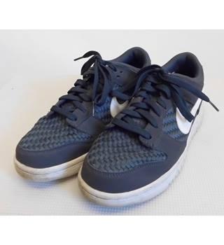 fe8210e7cf8323 Men's Vintage & Second-Hand Shoes & Boots - Oxfam GB