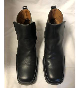 0a747fd3f Men's Vintage & Second-Hand Shoes & Boots - Oxfam GB