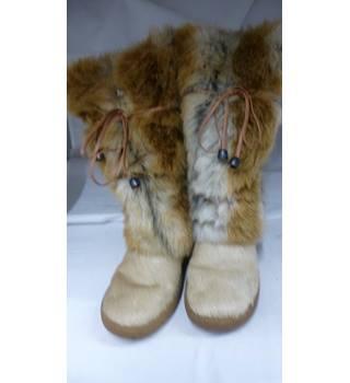 53ff9bbf Oscar boots in virtually unworn condition size 37 [uk 4] Oscar Sport - Size