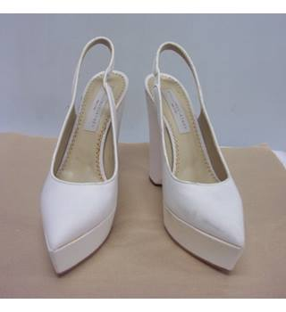 08fe8faae506dd Women's Second Hand & Vintage Shoes, Boots & Sandals - Oxfam GB