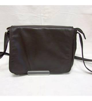 Real Leather Brown Taurus Flapover Shoulder Bag Taurus - Size: M - Brown - Shoulder