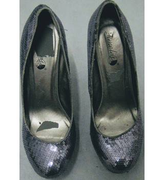 08313a147233fe Timeless silver/grey sequin killer heel shoes size 5 Timeless - Size: 5 -