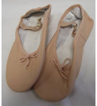 dc54c9265d9ff NWOT soft pink leather ballet shoes Bloch - Size: Other - Pink - Ballet