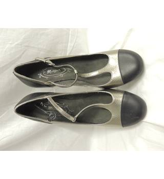 8b496e8e7c81e Women's Second Hand & Vintage Shoes, Boots & Sandals - Oxfam GB