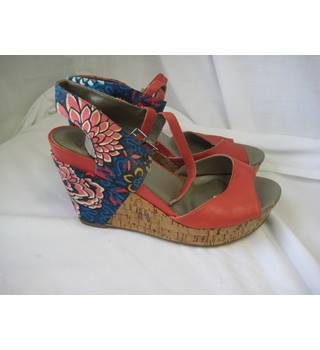 291950735a5 Wedges | Oxfam GB | Shop Online