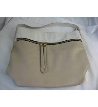 7443b8fcb566 Women's Second-Hand Handbags, Backpacks & Purses - Oxfam GB