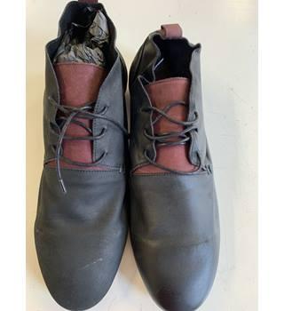 29c595d7d5903 Men's Vintage & Second-Hand Shoes & Boots - Oxfam GB