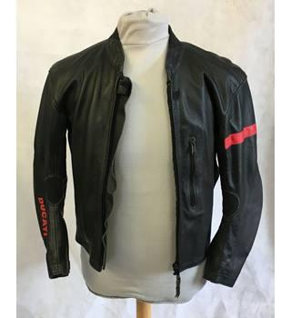 852572318 Men's Vintage & Second-Hand Jackets & Coats - Oxfam GB
