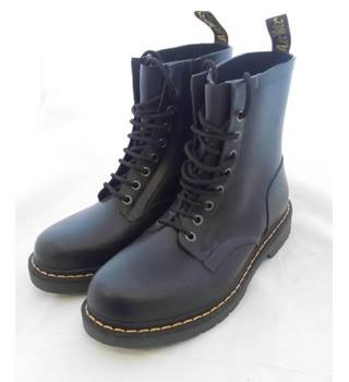 718b6cca7a0 Men's Vintage & Second-Hand Shoes & Boots - Oxfam GB