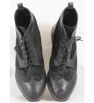 ea2213cccba Men's Vintage & Second-Hand Shoes & Boots - Oxfam GB