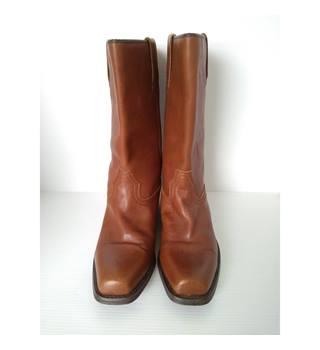 0d927e72ab7 Men's Vintage & Second-Hand Shoes & Boots - Oxfam GB