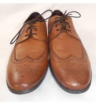 672e299e387b4 Men's Vintage & Second-Hand Shoes & Boots - Oxfam GB