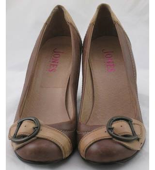 2a04b3a171355 Women's Second Hand & Vintage Shoes, Boots & Sandals - Oxfam GB