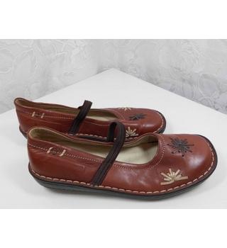Loretta- Pavers Leather shoes Burgundy