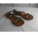 Vince Camuto Flat Leather Toe Post Sandals Gold Size: 5.5