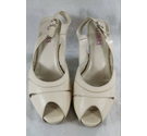 Jones Bootmaker Women's Heeled Shoes white Size: 6.5