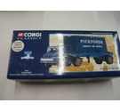 Corgi Classics : Pickfords Removals and Storage : 30501 : Thames Trader Platform Trailer & Container