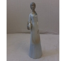 LLadro figurine- Lady with a basket.
