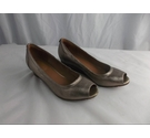 Clarks NWOT Peep Toe Wedges Gold Leather Size: 5