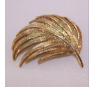 Vintage gold tone leaf Brooch