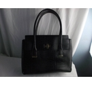 M&S COLLECTION LEATHER LOOK HANDBAG BLACK Size: M