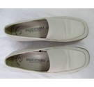 Sally O Hara NEW Slip On Shoes Cream Size: 3.5