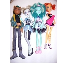 set of 4 monster high dolls