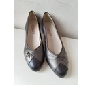 Equity Shoes Vintage 1980s Court Shoes Brown Size: 5.5